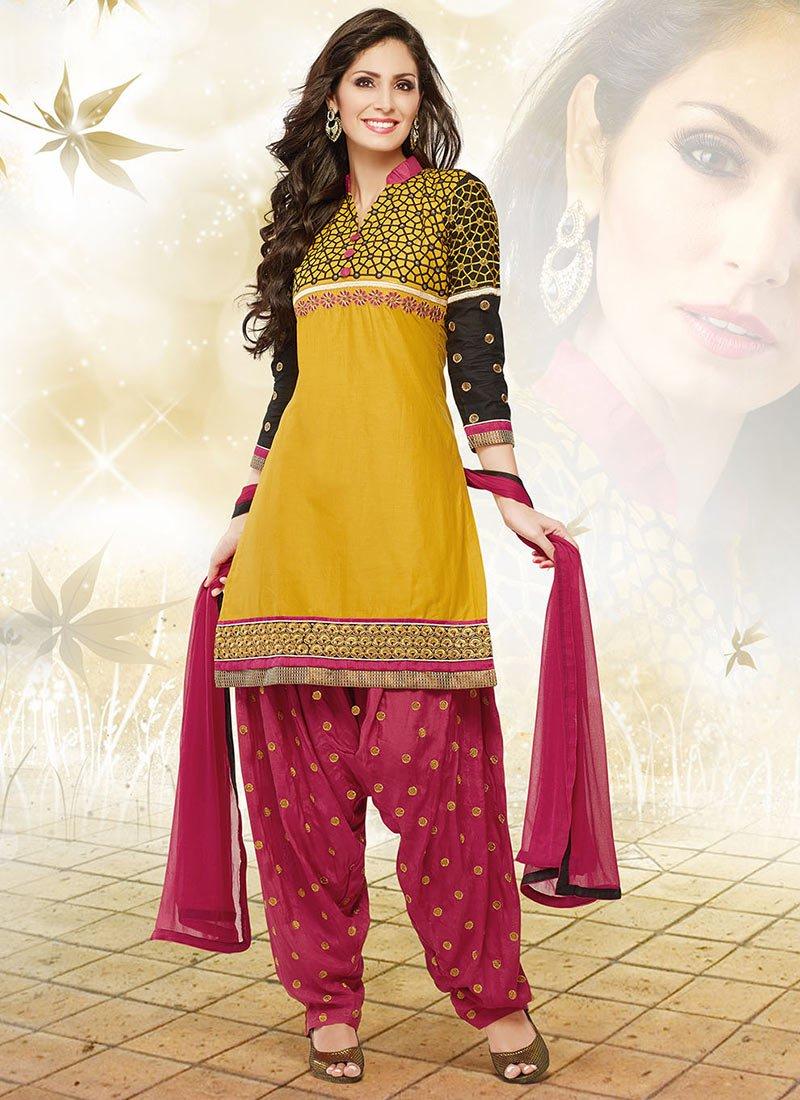Latest Fashion of Designer Punjabi Dresses & Patiala Salwar Kameez Suits for Women (15)