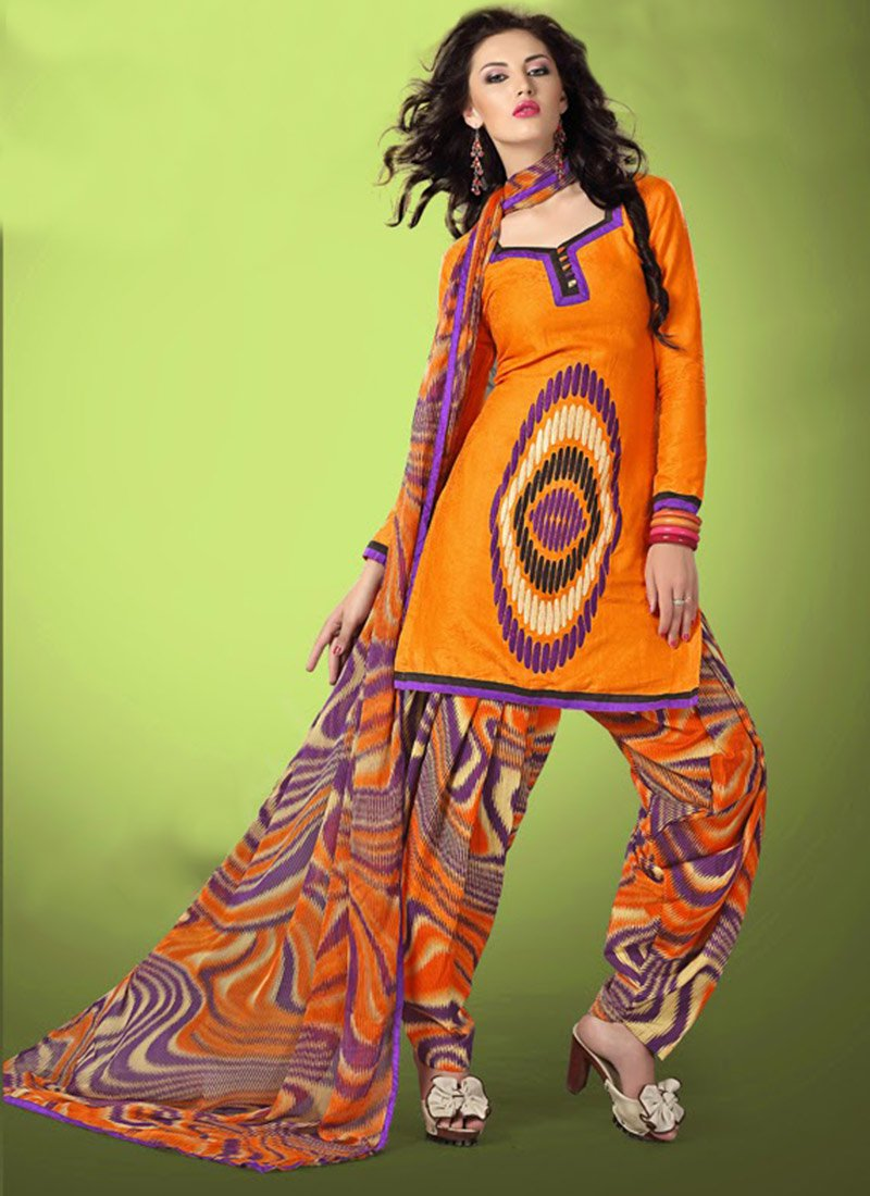 Latest Fashion of Designer Punjabi Dresses & Patiala Salwar Kameez Suits for Women (9)