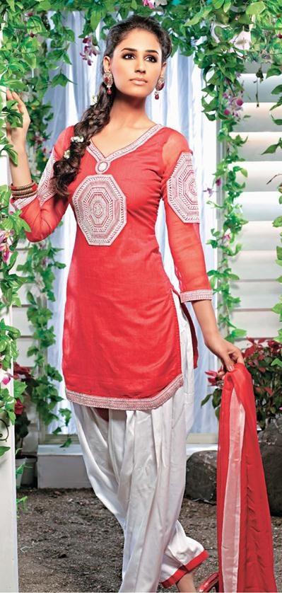 Latest Fashion of Designer Punjabi Dresses & Patiala Salwar Kameez Suits for Women@stylesgap (11)