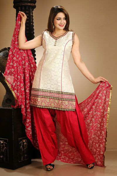 Latest Fashion of Designer Punjabi Dresses & Patiala Salwar Kameez Suits for Women@stylesgap (13)