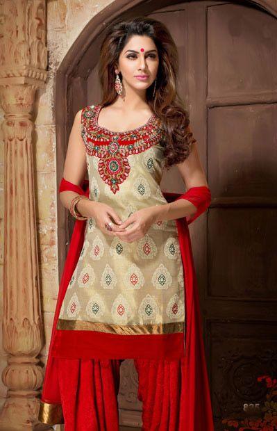 Latest Fashion of Designer Punjabi Dresses & Patiala Salwar Kameez Suits for Women@stylesgap (4)