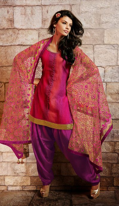 Latest Fashion of Designer Punjabi Dresses & Patiala Salwar Kameez Suits for Women@stylesgap (5)
