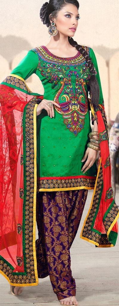 Latest Fashion of Designer Punjabi Dresses & Patiala Salwar Kameez Suits for Women@stylesgap (6)