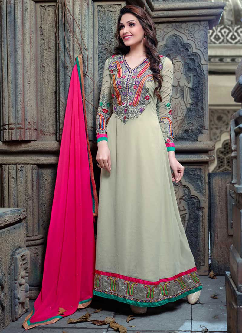 ace7031b3b Latest Indian Ethnic Wear Dresses & Stylish Suits Formal Collection for  Women (24)
