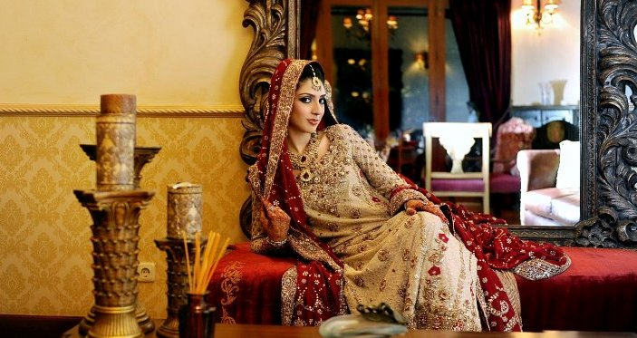 Latest Pakistani & Indian Best Wedding Dresses and Bridal Gowns for Women (15)