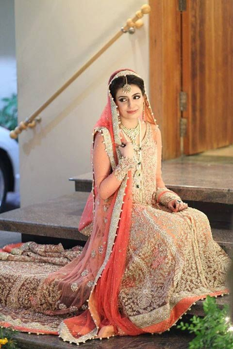 Latest Pakistani & Indian Best Wedding Dresses and Bridal Gowns for Women (17)