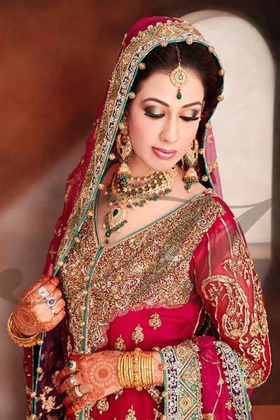 Latest Pakistani & Indian Best Wedding Dresses and Bridal Gowns for Women (24)