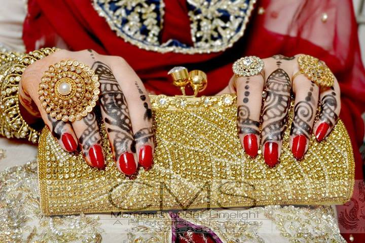Latest Pakistani & Indian Best Wedding Dresses and Bridal Gowns for Women (25)