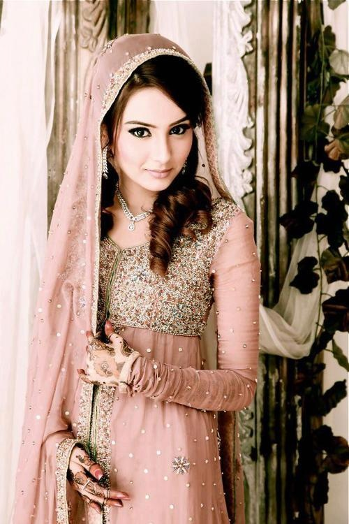 Latest Pakistani & Indian Best Wedding Dresses and Bridal Gowns for Women (3)