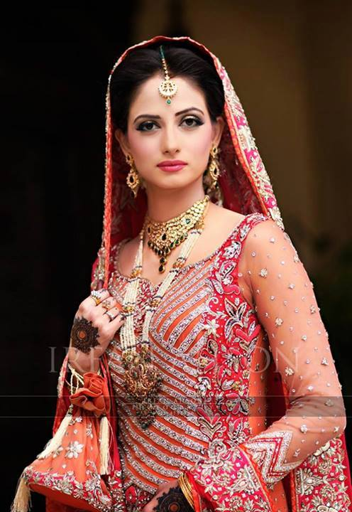 Latest Pakistani & Indian Best Wedding Dresses and Bridal Gowns for Women (31)