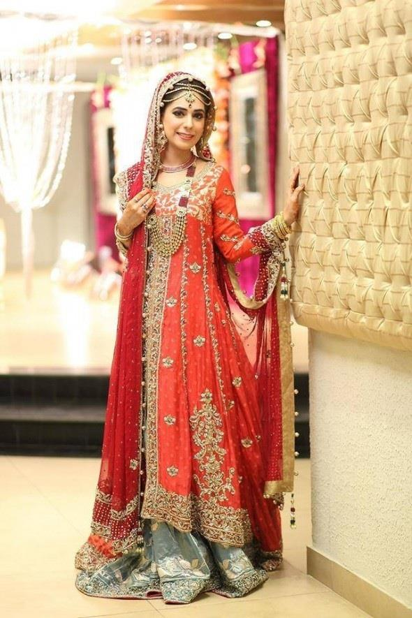Latest Pakistani & Indian Best Wedding Dresses and Bridal Gowns for Women (32)
