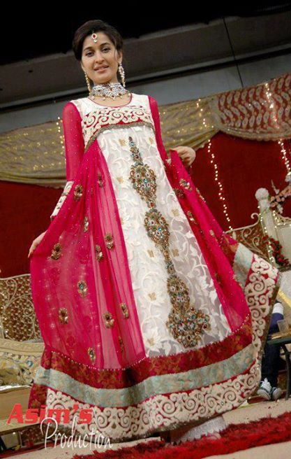 Latest Pakistani & Indian Best Wedding Dresses and Bridal Gowns for Women (65)