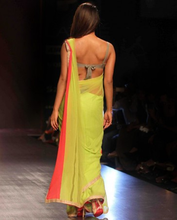 MM Manish Malhotra Latest Collection of Fancy and Embroidered Saree Designs for Women(37)