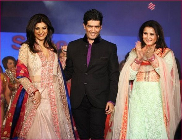 Manish Malhotra Latest Collection of Fancy and Embroidered Saree Designs for Women@stylesgap.com (2)