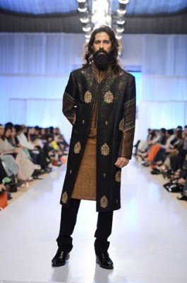 Latest Fashion Men Wedding Dresses & Sherwani Designs Collection by Amir Adnan(6)