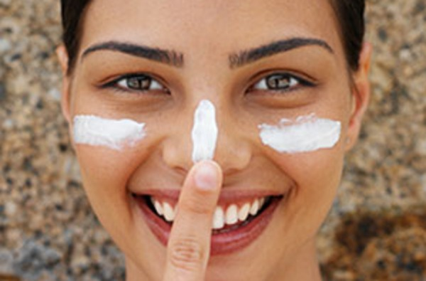 Most Easy Tips To Protect Your Skin From Summer Heat & Sunlight (5)