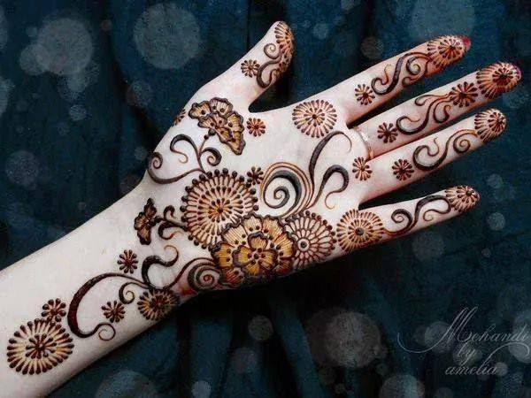 New Stylish & Perfect Mehndihenna Designs Collection Easy to Try for weddings and parties@stylesgap (10)
