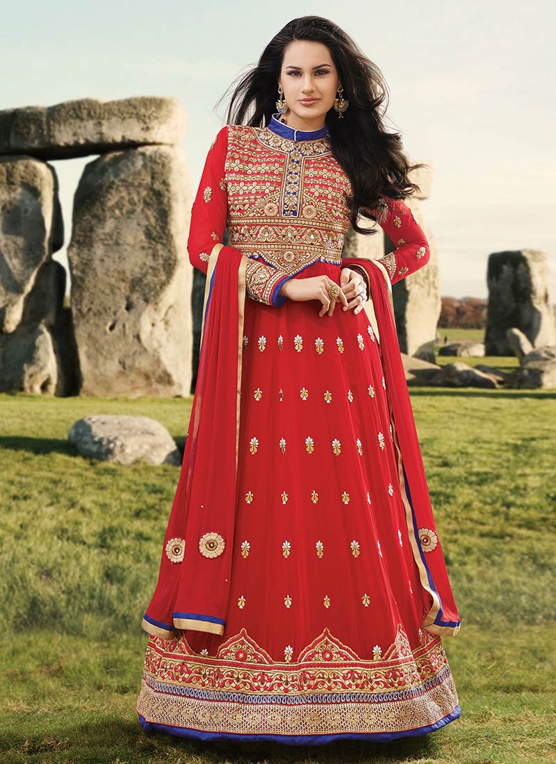 Ethnic Indian Saree For Bride: Latest Indian Ethnic Wear Dresses & Stylish Suits Formal