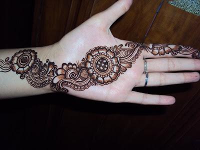 Mehndi Party N Wedding : Latest stylish mehndi designs for weddings parties