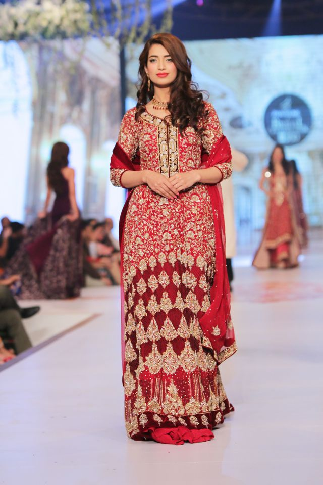 Indian & Pakistani Latest Fashion of Top Designer Fancy Party wear & Stylish Bridal Anarkali Suits for Women (1)