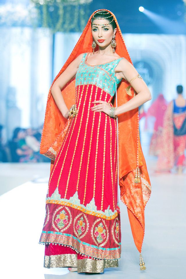 Indian & Pakistani Latest Fashion of Top Designer Fancy Party wear & Stylish Bridal Anarkali Suits for Women (2)