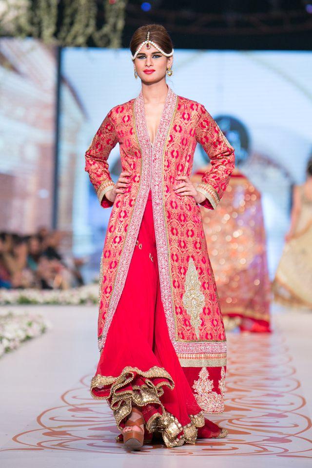 Indian & Pakistani Latest Fashion of Top Designer Fancy Party wear & Stylish Bridal Anarkali Suits for Women (28)