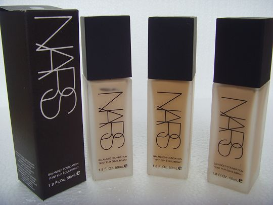 Top 10 Best Liquid Foundations for All Skin Types (7)