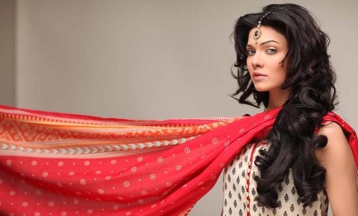 Top 10 Most Popular Best Pakistani Fashion Designers - Hit List  (4)
