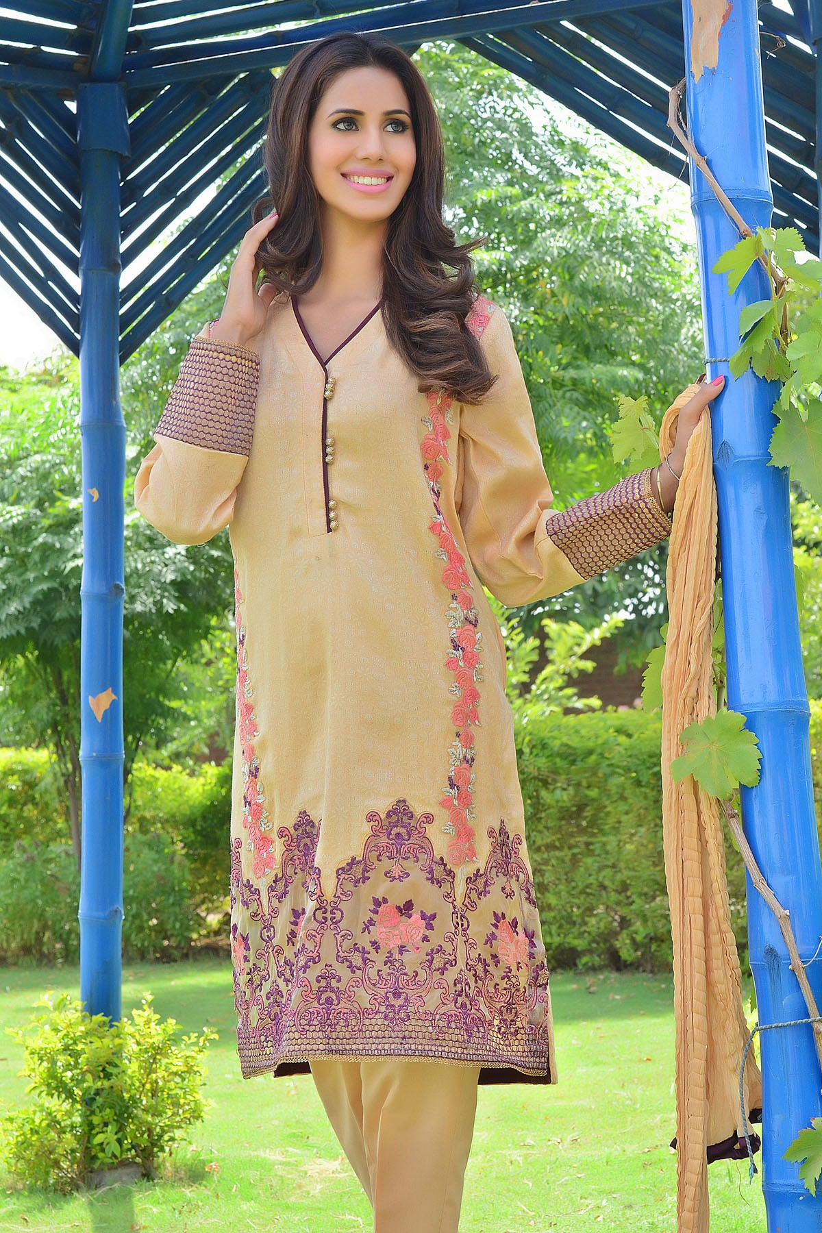 Zeniya Lawn By Deepak Perwani Pret & Printed Suits Eid Collection 2016-2017 (17)