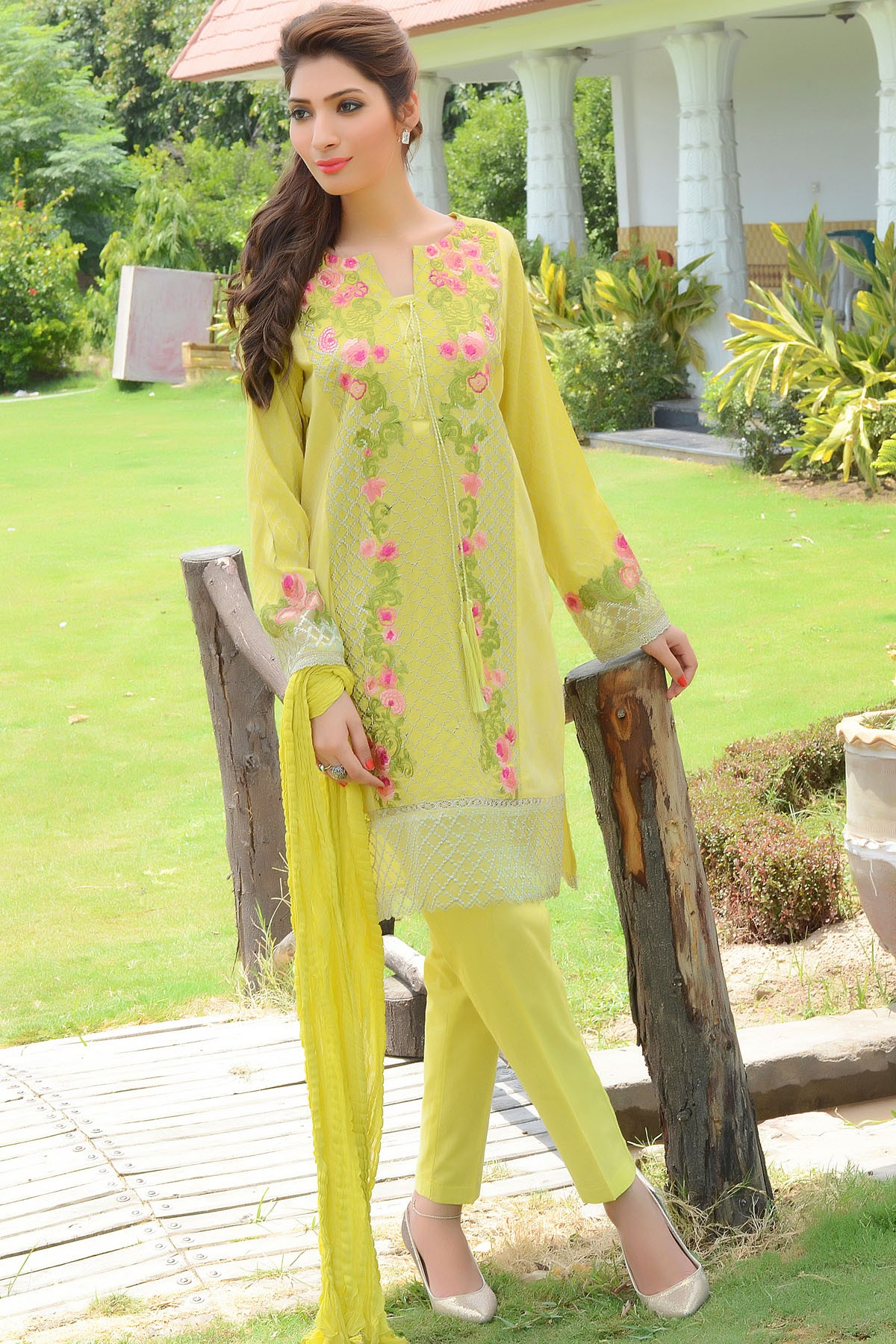 Zeniya Lawn By Deepak Perwani Pret & Printed Suits Eid Collection 2016-2017 (22)