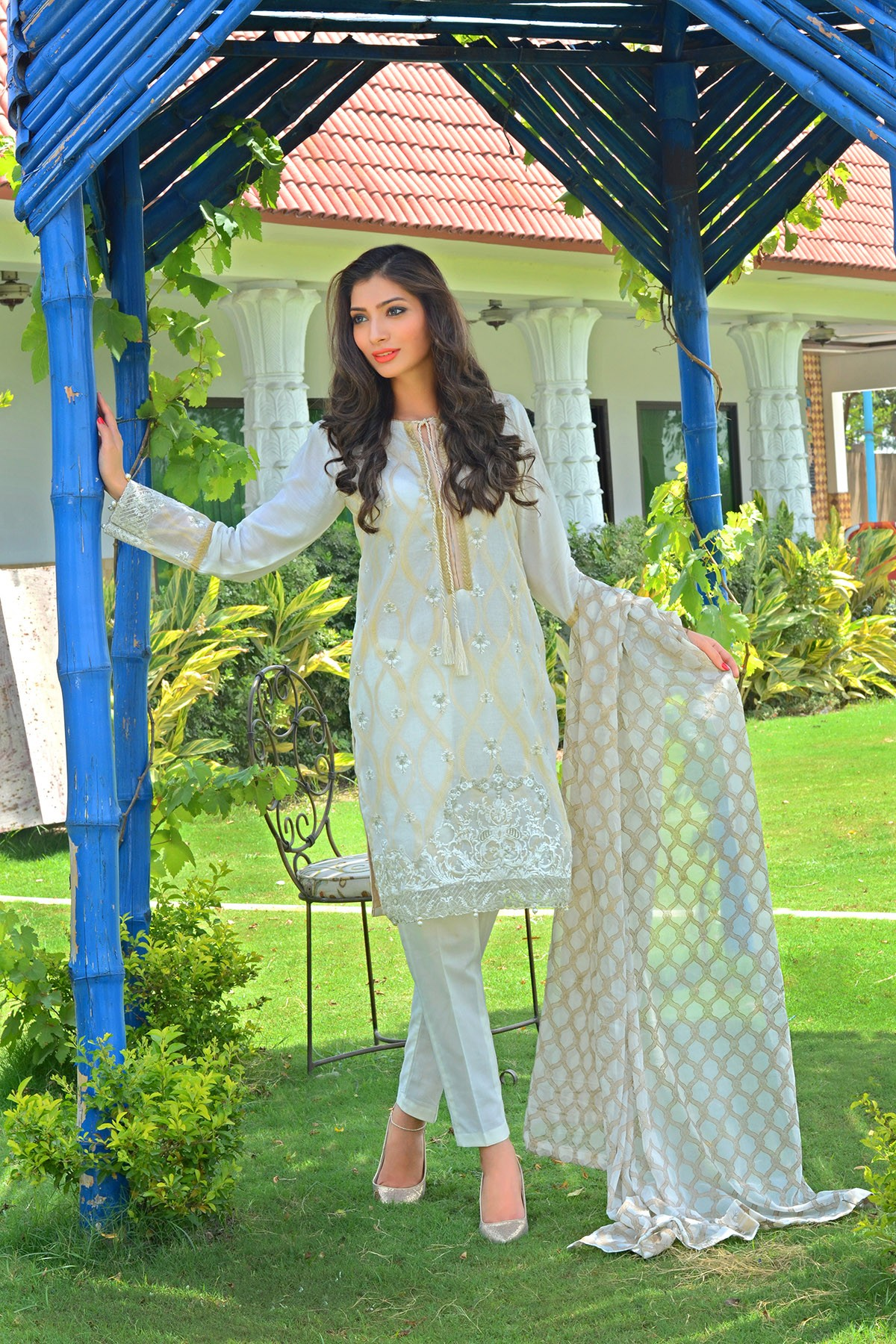 Zeniya Lawn By Deepak Perwani Pret & Printed Suits Eid Collection 2016-2017 (6)