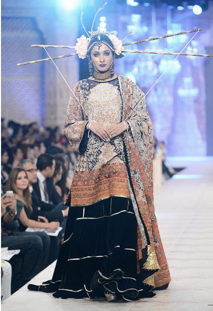 Best Pakistani Fashion Designer Bridal Collections at PFDC L'Oreal Paris Bridal Couture Week 2014-2015 - Fahad Husayn (5)