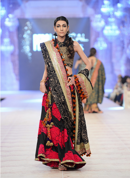 Best Pakistani Fashion Designer Bridal Collections at PFDC L'Oreal Paris Bridal Couture Week 2014-2015 - Sana Safinaz (1)