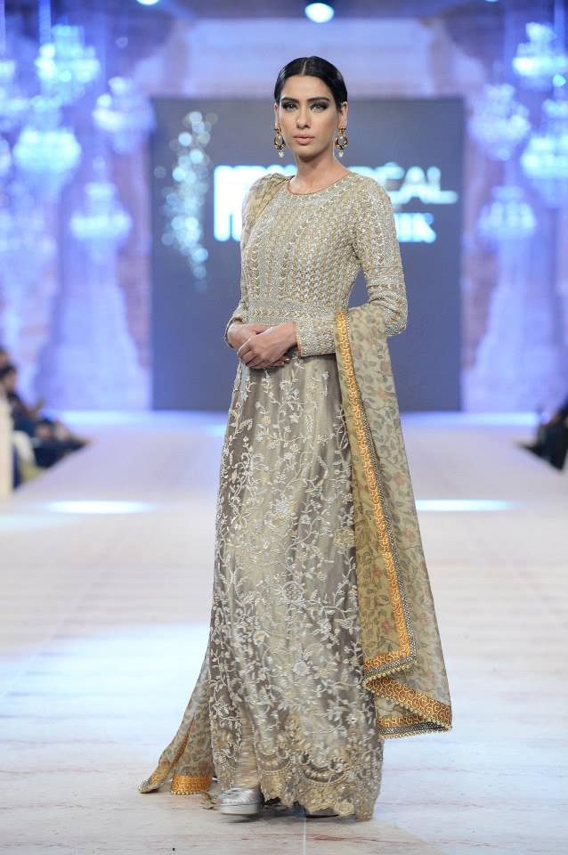 Best Pakistani Fashion Designer Bridal Collections at PFDC L'Oreal Paris Bridal Couture Week 2014-2015 - Saniya Maskatiya (1)