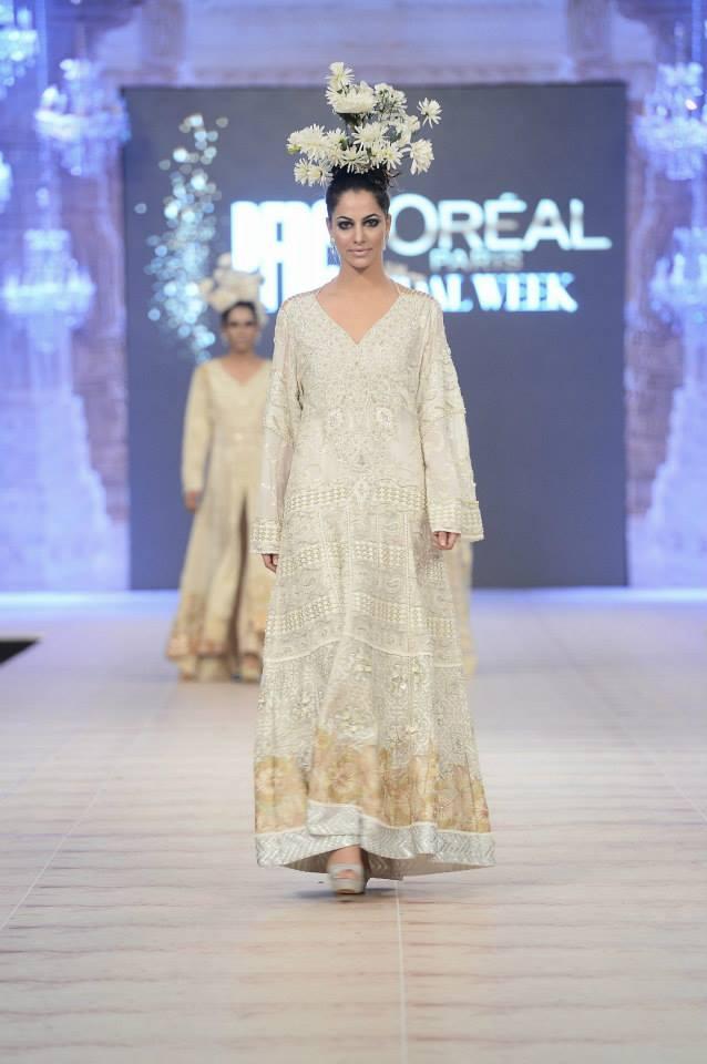 Best Pakistani Fashion Designer Bridal Collections at PFDC L'Oreal Paris Bridal Couture Week 2014-2015 - Sharmaeel Ansari (1)