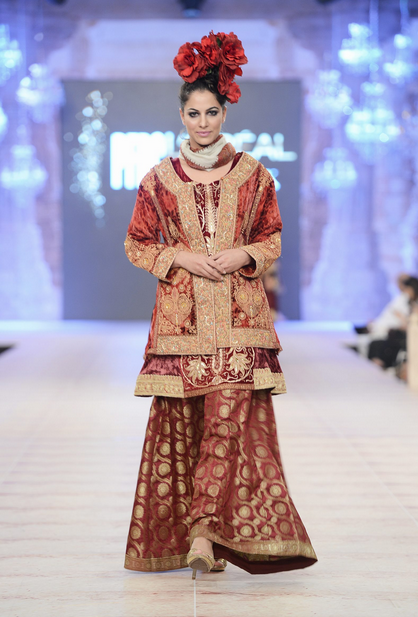 Best Pakistani Fashion Designer Bridal Collections at PFDC L'Oreal Paris Bridal Couture Week 2014-2015 - Sharmaeel Ansari (3)