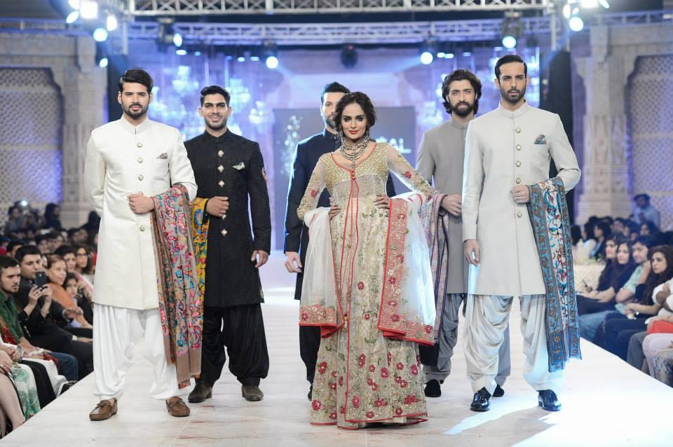 Best Pakistani Fashion Designer Bridal Collections at PFDC L'Oreal Paris Bridal Couture Week 2014-2015 - Zara Shahjahan (3)