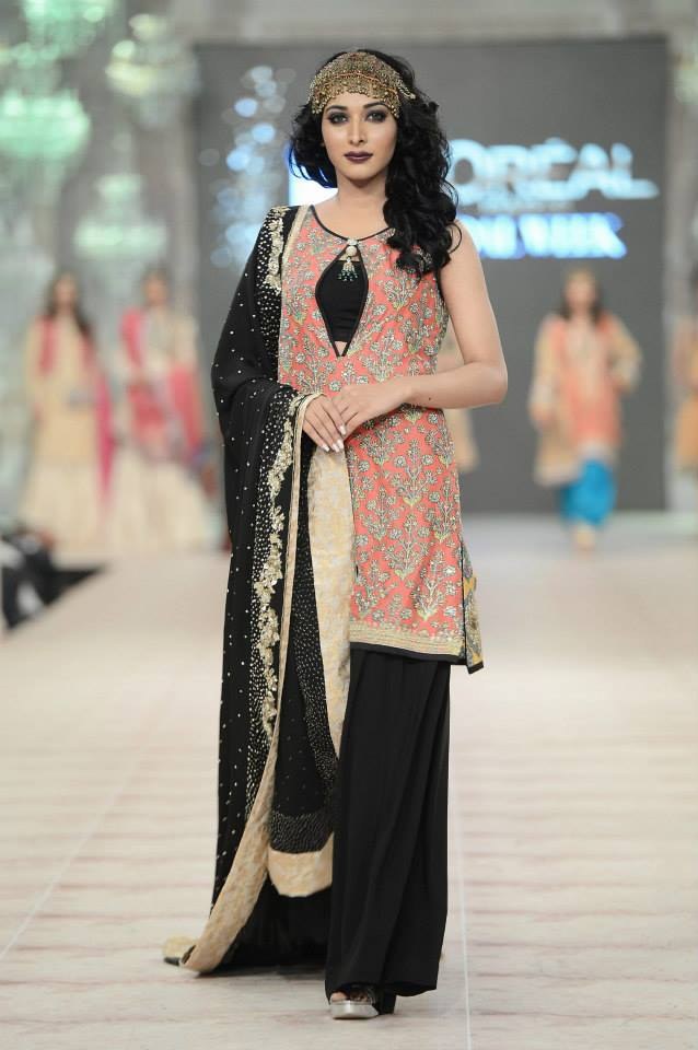Best Pakistani Fashion Designer Bridal Collections at PFDC L'Oreal Paris Bridal Couture Week 2014-2015 - Zara Shahjahan (4)