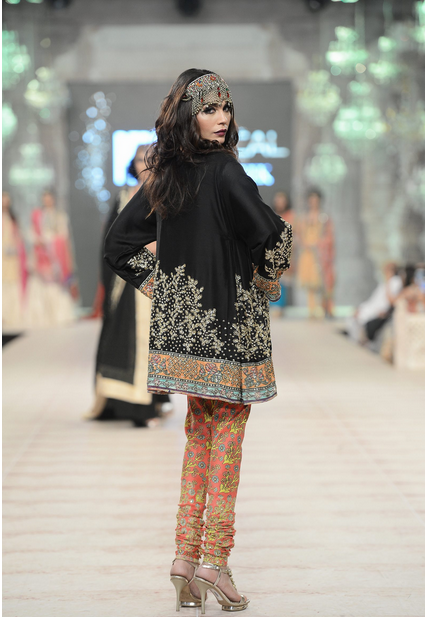 Best Pakistani Fashion Designer Bridal Collections at PFDC L'Oreal Paris Bridal Couture Week 2014-2015 - Zara Shahjahan (5)