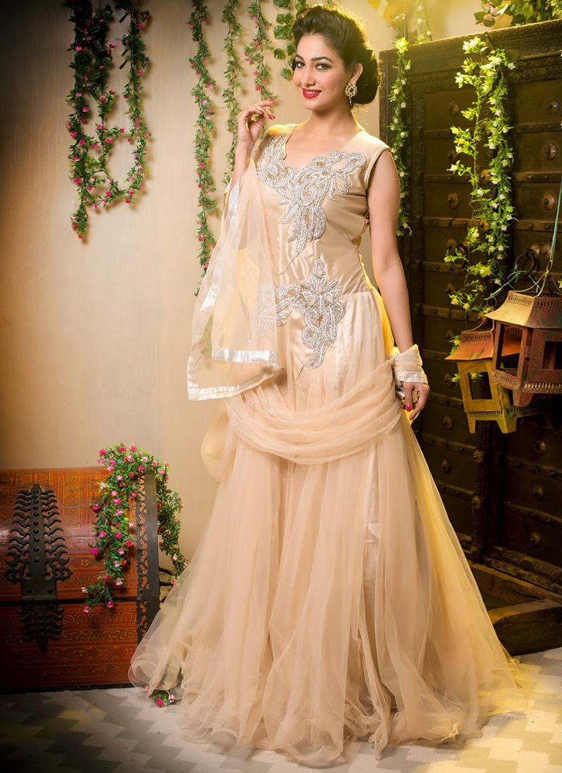 Diwali-Special-Indian-Formal-dresses-for-Women (15)