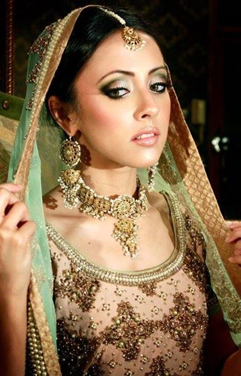 Latest-Bridal-makeup-ideas (22)