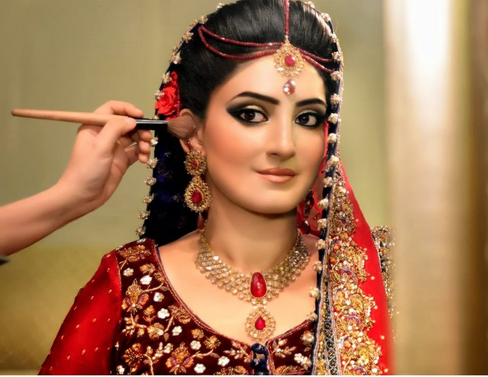 Latest-Bridal-makeup-ideas (33)
