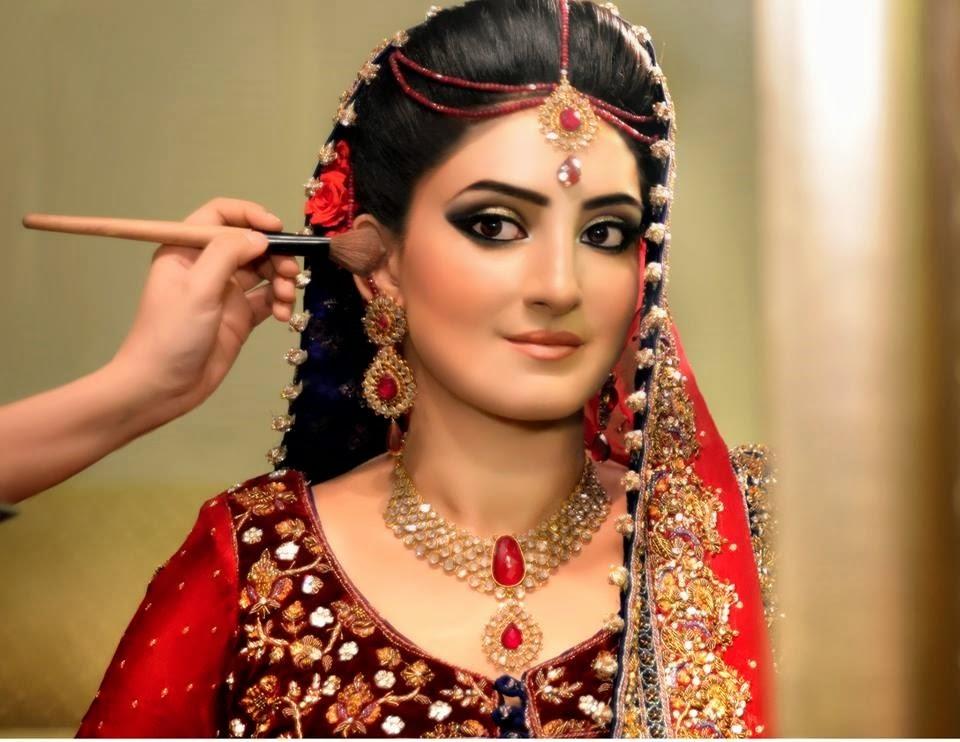 Uzma S Mehndi Makeup : Creatifa hair makeup artist lubna rafiq pro for asian