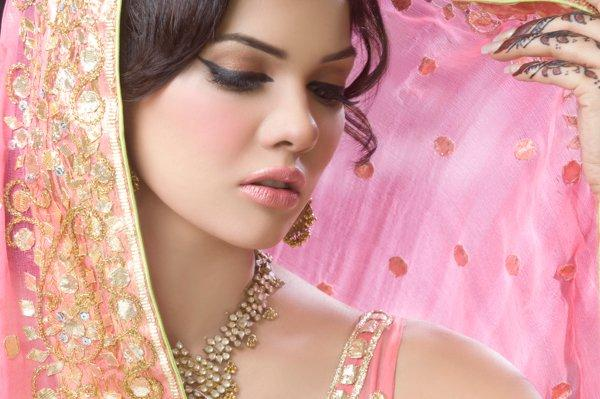 Latest-Bridal-makeup-ideas (9)