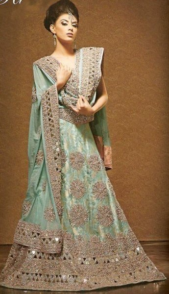 New Indian Fashion Long Shirt Anarkali Dresses for Girls 2014-2015 Fancy Embroidered Collection (17)