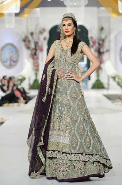 New Indian Fashion Long Shirt Anarkali Dresses for Girls 2014-2015 Fancy Embroidered Collection (19)