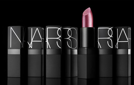 Top 10 Most Popular Lipsticks of all Time - Best Selling Brands  (6)