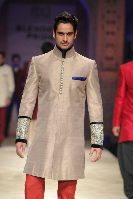 indian-designer-shewanis-manish-malhotra-1