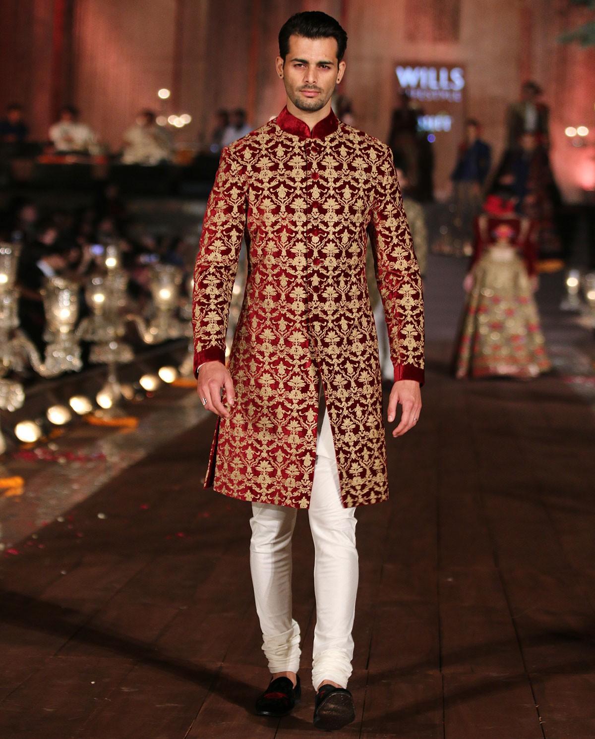inidan-designer-sherwanis-rohit-bal-1