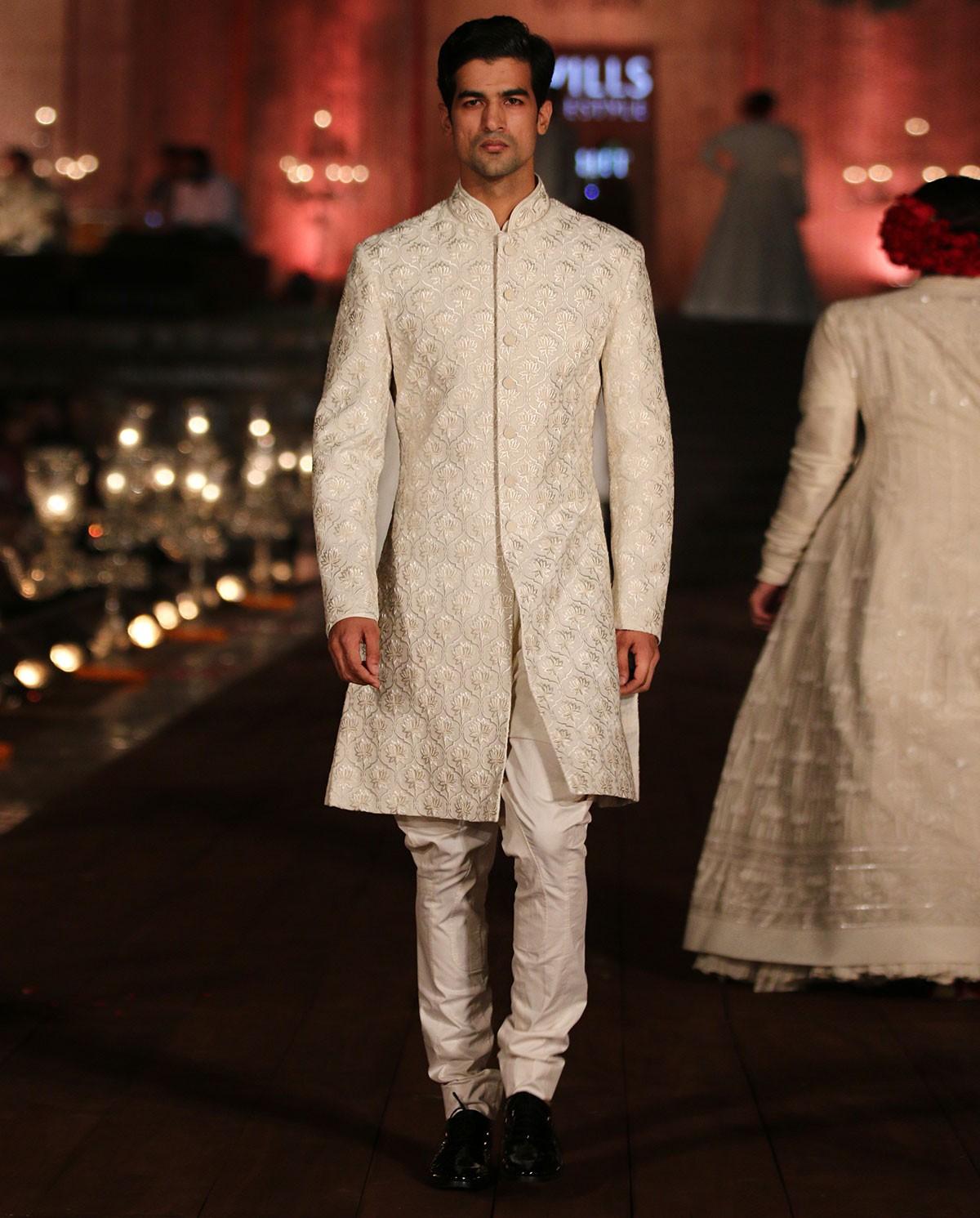 inidan-designer-sherwanis-rohit-bal-2